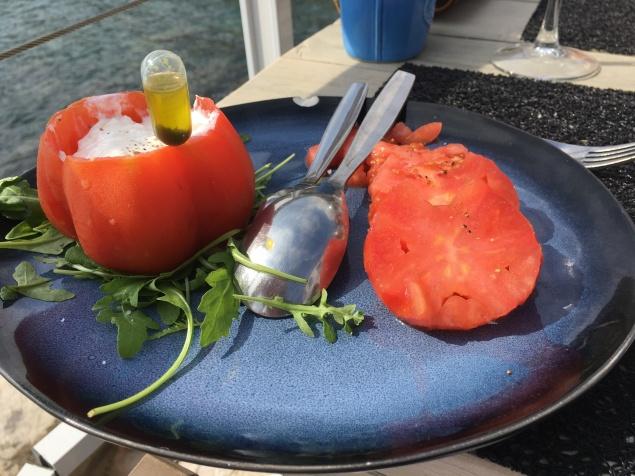Buratta-tomato salad
